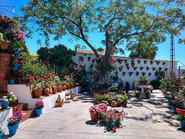 Patio aldea La Celada, Iznájar