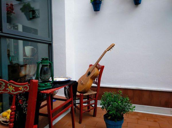 Patio calle Cruz, Encinas Rales